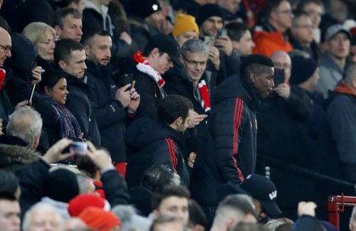 HLV Mourinho chuyển lời đến Pogba: 'Sẽ chẳng có chỗ cho những ai không thi đấu hết mình'