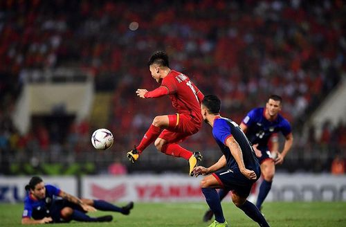 Tuyển Việt Nam bay gấp sang Malaysia chuẩn bị cho chung kết lượt đi