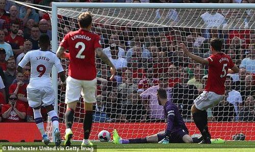 Rashford đá hỏng phạt đền, MU lần đầu tiên thua Crystal Palace ở Ngoại Hạng Anh