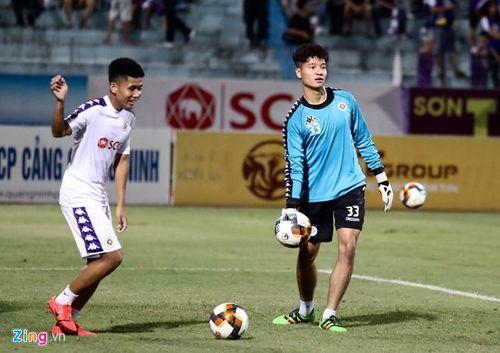 CLB Hà Nội 6-1 Nam Định: Văn Quyết tham gia vào 5 bàn thắng