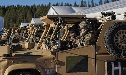Xe tăng đâm xe quân sự trong cuộc tập trận lớn nhất của NATO kể từ Chiến tranh Lạnh