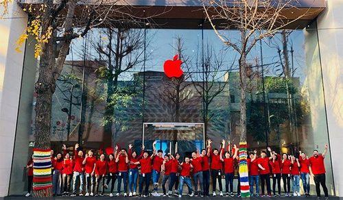 Vì sao logo quả táo Apple Store có màu đỏ vào ngày 1/12?