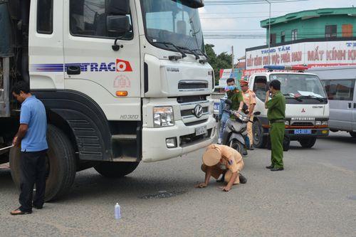 Thầy cô, bạn bè tiếc thương học sinh bị xe tải cán tử vong