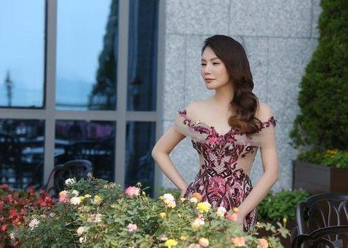 Hồ Quỳnh Hương: 'Từ rất lâu rồi tôi không gặp lại...người đó'