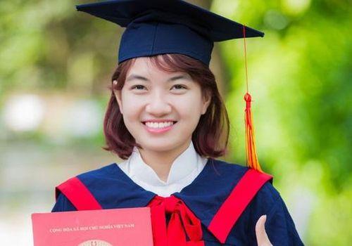 Những 'bóng hồng' thủ khoa đại học xuất sắc năm 2018