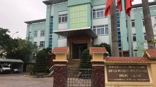 Vụ tố bị cướp hồ sơ ở Quảng Bình: Mất an ninh sao vẫn mở thầu?