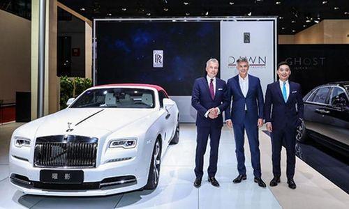 Dàn xe siêu sang Rolls-Royce ùn ùn đến TQ