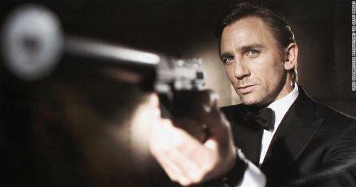 Jame Bond tái hiện: Daniel Craig hóa thân màn kịch gay cấn cuối cùng