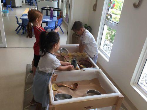 Đo học phí các trường giành cho con nhà giàu ở Hà Nội
