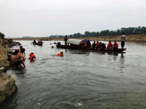 Rủ nhau tắm sông, 4 học sinh THCS chết đuối thương tâm