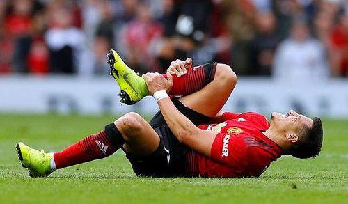 Manchester United thận trọng