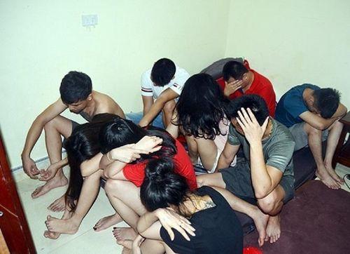 Nghệ An: Bắt giữ nhóm thanh niên sử dụng ma túy trong phòng trọ