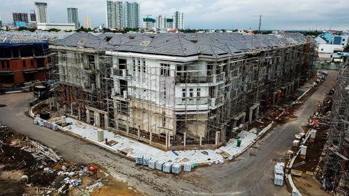 Chủ đầu tư 110 biệt thự xây 'chui' ở quận 7 là ai?