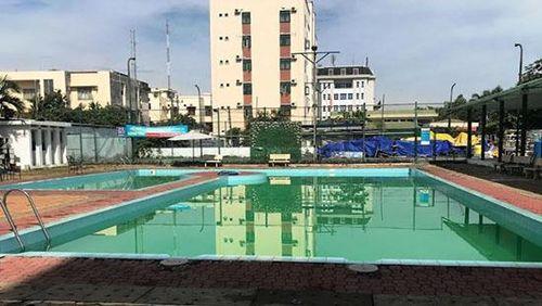 Tắm trong hồ bơi khách sạn, 2 người đuối nước tử vong