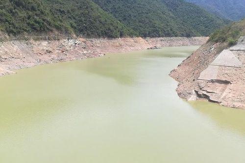 Nghệ An: Các nhà máy thủy điện xả nước chống hạn