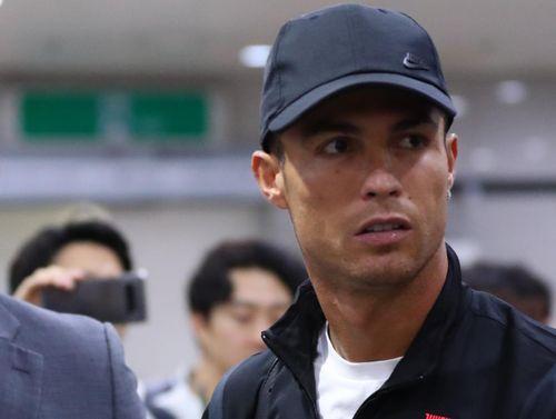 Đi tìm 'cái tình người' trong vụ Ronaldo không ra sân