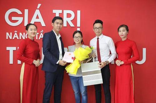 Địa ốc Đất Việt trao sổ hồng cho khách hàng trước thời hạn