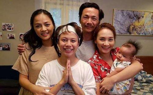 Bảo Thanh hỏi cảm nhận của Bộ trưởng Văn hóa về phim 'Về nhà đi con'