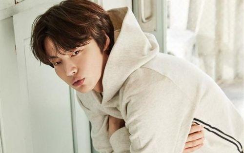 Tâm bão ly hôn, Ahn Jae Huyn bị các nhãn hàng trở mặt, Giordano xóa sạch hình