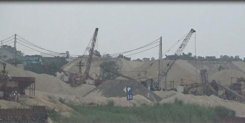 Bến bãi cát sỏi thách thức pháp luật