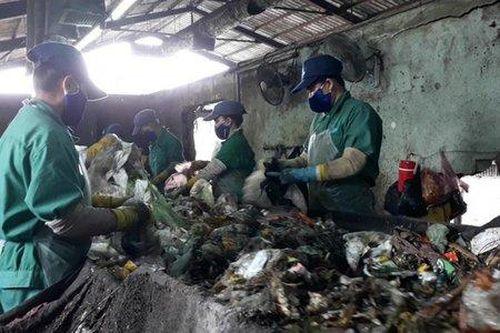 Nhà máy xử lý rác TP Cà Mau lại phát hiện xác thai nhi khi phân loại rác