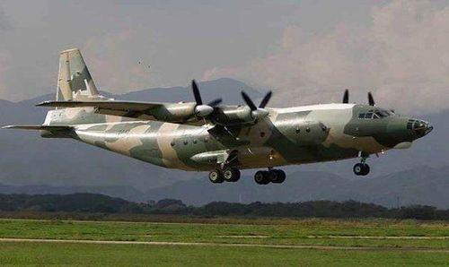 Máy bay quân sự lao khỏi đường băng, sân bay Myanmar đóng cửa