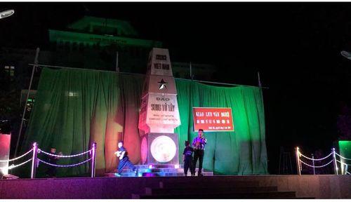 Thầy giáo Phú và đêm trung thu ở đảo Song Tử Tây