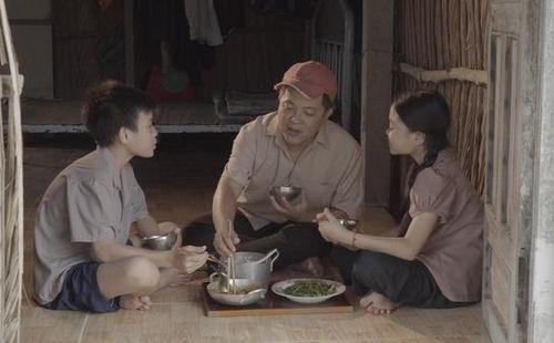 Học trò Hồ Việt Trung lấy nước mắt khán giả với MV 'Tình phụ tử'