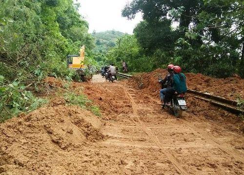 Nam Trung Bộ và Tây Nguyên có mưa lớn, sạt lỡ, lũ quét nguy hiểm
