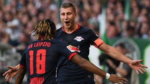 RB Leipzig chắc ngôi đầu, Bayern có thêm chiến thắng 'hủy diệt'