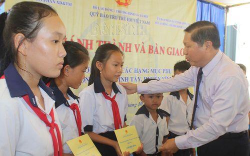 Long An: Khánh thành và bàn giao 3 phòng học tại xã Tuyên Bình Tây