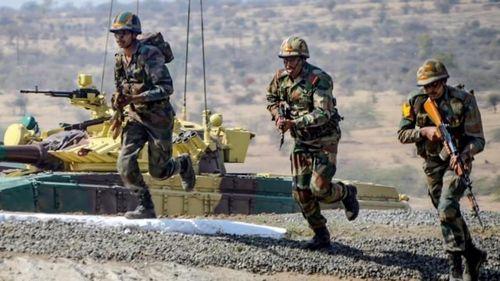 Cây cầu mới của Ấn Độ gần biên giới Trung Quốc 'cân' được cả xe tăng, tiêm kích