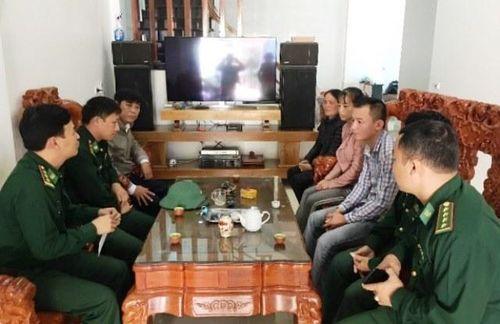 Tàu cá Nghệ An cứu bảy ngư dân Thanh Hóa gặp nạn trên biển