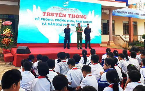 Đắk Lắk: Học sinh được truyền thông về phòng chống mua bán người