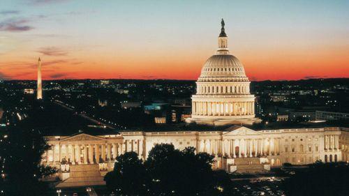Hạ viện Mỹ thông qua biện pháp tạm thời giúp chính phủ tránh đóng cửa