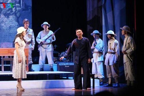 'Hừng Đông' phiên bản mới - Kịch hát dân ca xứ Nghệ