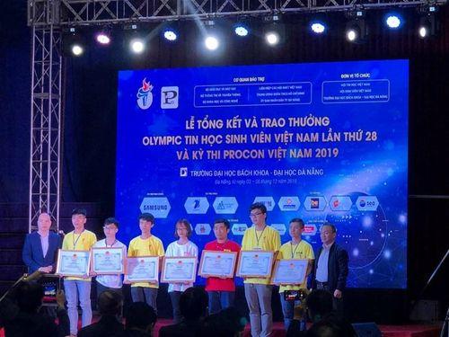Sinh viên ĐH Điện lực đạt thành tích 'khủng' tại Olympic Tin học sinh viên 2019