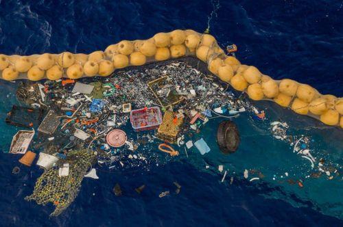 Hệ thống gom rác thải trên đại dương 'Ocean Cleanup'
