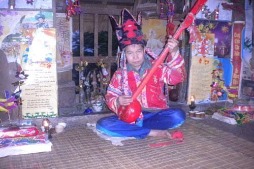 Nửa đêm, lên Nà Coong bắt… 'ma cà rồng'