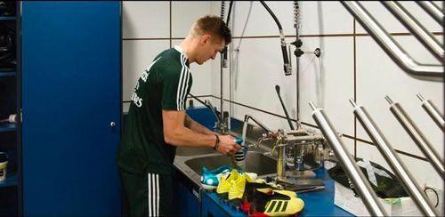 Toni Kroos: Những góc khuất ít biết đằng sau một siêu tiền vệ
