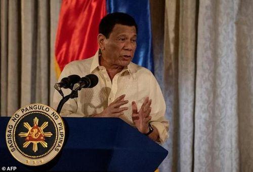 'Ngoại giao tuần duyên' của Tổng thống Duterte