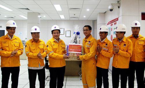 Đồng chí Nguyễn Xuân Thắng thăm và làm việc tại Cụm Khí – Điện – Đạm Cà Mau