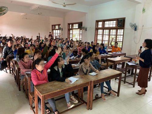 Giving it Back to Kids tập huấn kỹ năng mềm dành cho sinh viên Quảng Nam