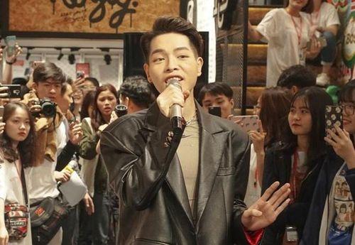 Đức Phúc, Giang Ơi cùng bạn trẻ Hà Nội tham gia 'Đổi đồ - Đổi đời'
