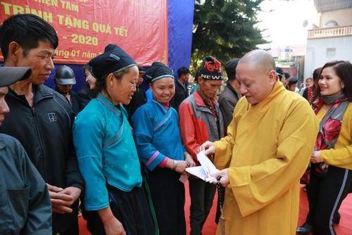 Hà Giang : 5.000 phần quà Tết trao tặng người nghèo