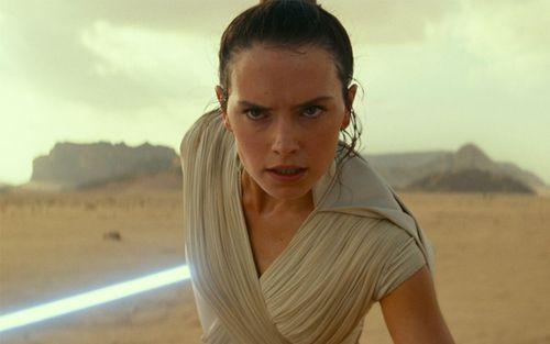 Hành động khó hiểu của Rey ở cuối 'Star Wars: The Rise of Skywalker' có ý nghĩa gì?