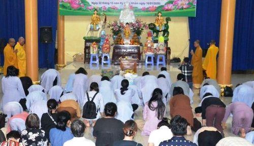TP.HCM : Chi hội Lá Bồ Đề hành hương, cúng dường đầu năm