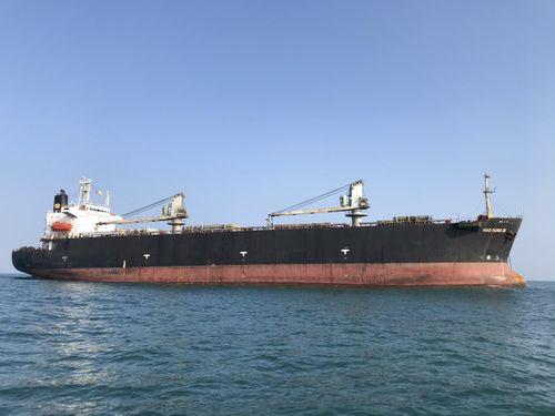 Kiểm soát dịch bệnh đối với các tàu nước ngoài xuất, nhập cảng Dung Quất