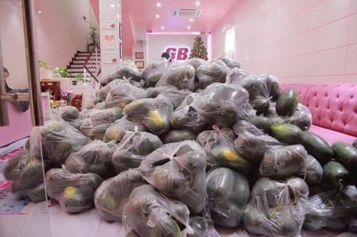 Hội Doanh nhân trẻ Hải Phòng chung tay hỗ trợ tiêu thụ dưa hấu