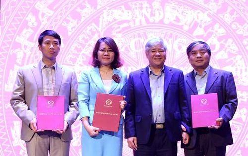 Ủy ban Dân tộc bổ nhiệm 4 lãnh đạo cấp Vụ